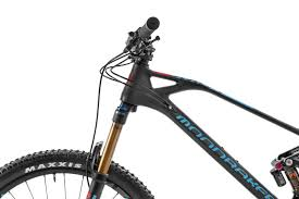 stealth carbon for the majority of models and the new stealth air carbon for the foxy rr sl diffe frame weights diffe points