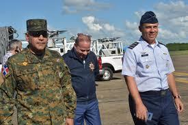 Resultado de imagen para MINISTRO DEFENSA PAULINO SEM Y COMANDANTE FAD RICHARD VASQUEZ