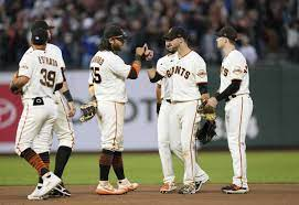 SF Giants' Twitter account appears to ...