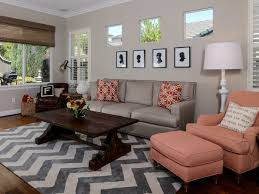 living room painting ideas beige walls zig zag rug pattern