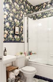Rental apartment bathroom ideas Apartment Decorating Solutions For Rental Bathrooms Source Apartment Therapy Rabat 2013 Roundup Solutions To Help Your Rental Bathroom Curbly