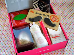 wa try out some korean cosmetics go and try memebox