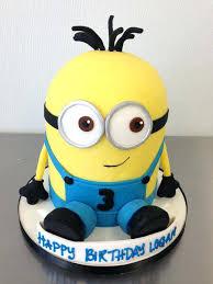 82 Birthday Cake Minion Design Minion Birthday Cakes Minions