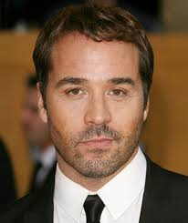 Jeremy Piven. Unkept, natural and masculine, really working with the whole image. Verdict: It's a hit - Jeremy-Piven-sag
