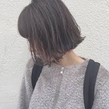 わかりやすく旬髪なのは切りっぱなしボブ飾りすぎないオシャレ感