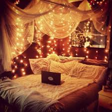 Fairy lights around the bed :) Great idea for a little girls room,  comfy,cozy for those bedtime stories. Little girls room? This would look  great in my ...