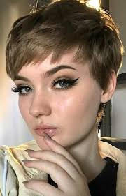 pixie haircut styles for round faces
