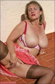 Sexy mature shaved pussy