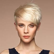 Fantastique 34 Coupe Cheveux Blancs Femme 60 Ans Photos