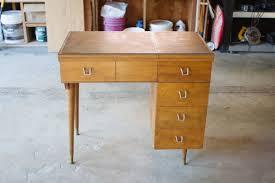 diy vanity table plans. listening diy vanity4 diy vanity desk table plans