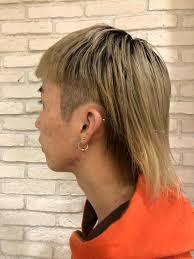 襟足を残したサイド刈り上げ 攻めバングウルフ 個性的な髪型が得意