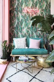 Kleurrijk Roze En Groen Behang Met Bladeren Planten Goud