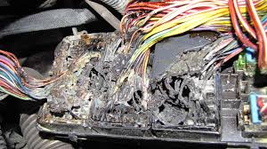 2006 pontiac torrent electrical fire with main fuse block under how to add a fuse to a car fuse box at Wiring Into Fuse Box Car