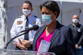 DC mayor relaxes curfew after thousands ...