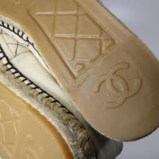 Chanel Beige Rev Black Quilted Embroidered Canvas Cc Logo Espadrilles B588 Flats Size Eu 41 Approx Us 11 Regular M B 34 Off Retail