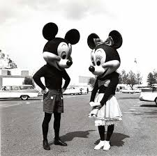 ディズニー画像歴代のミッキーとミニーが怖い件 Naver まとめ