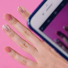 We're OBSESSED with the new Gloss Ultra Shine Gel Strips from Dashing Diva!  They're the perfect medium between press-on nails and … | Diva nails, Nail  polish, Nails