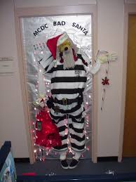 ideas for decorating office door for christmas