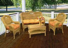 chalk painting wicker furniture