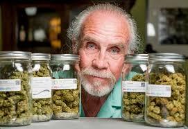 Výsledek obrázku pro senioři léky legalizace