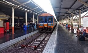 taking the train from bangkok to chiang mai chiang mai station