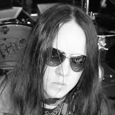The drummer and founding member of the band died peacefully in his sleep on monday 26 july according to a representative of his family. Joey Jordison