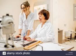 Ophthalmologist Assistant Stock Photos & Ophthalmologist Assistant ...