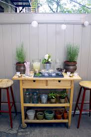 Diy outdoor bar Small It Was Quite By Mistake That We Ended Up With An Outdoor Bar Cart In Our Backyard But Now That We Have One Am Convinced Everyone That Doesnt Have One Runway Chef Diy Outdoor Bar Cart Styling Tips Runway Chef