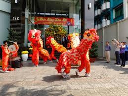 Pertunjukkan barongsai tidak hanya menampilkan atraksi singa, namun juga atraksi music khas tiongkok. Inilah Makna Warna Barongsai Indozone Id