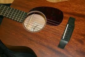 Sự chi phối của gỗ làm đàn guitar đến âm thanh