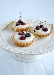 Cherry and almond tartlets / Tortinhas de cereja e amêndoa… | Flickr