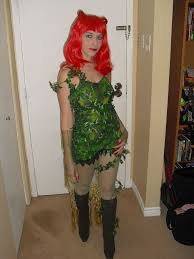 picture of poison ivy costume from batman