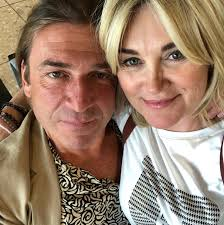 She is an actress, known for дворняги (2010), абсолютная власть (2003) and bob martin (2000). Anthea Turner 59 Is Engaged To Tycoon Mark Armstrong After Just Five Months Of Dating