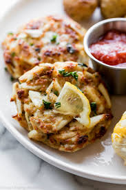 Maryland Crab Cakes Recipe (Little ...