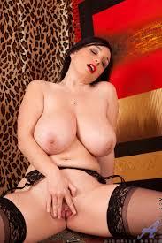 Pi bon xxx foto Horny Anilos Michelle Bond makes her dildo.