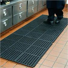commercial kitchen mats. Perfect Commercial Commercial Kitchen Mats Guide To Rubber Restaurant  For F