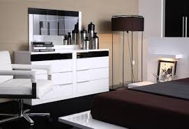 Platform Bedroom Furniture Modrest Impera Contemporary Lacquer Platform Bed