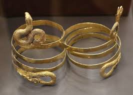 File:Pair of snake bracelets (3rd-2nd cent. B.C.) in the National  Archaeological Museum of Athens on 16 May 2018.jpg - Wikimedia Commons