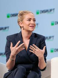 Whitney wolfe herd was born in salt lake city, utah in 1989. Whitney Wolfe Herd Wikipedia