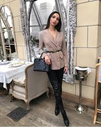 can i wear double ted blazer with leather otk boots