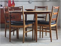 48 inch round dining table seats how many