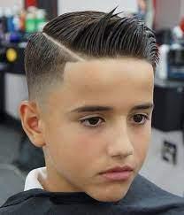 As tendências de cortes de cabelo 2019 masculino para homens de cabelo liso vem com uma pegada que mistura o clássico com a moda quer uma cabelo mais comportado na finalização mas com um corte mais moderno? Corte De Cabelo Masculino Infantil 68 Ideias Dicas Imperdiveis