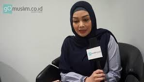 ' yuk berhijab syar'i ukhti muslimah. Berhenti Jadi Anak Band Natta Reza Mantap Berhijrah Gomuslim
