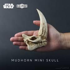 Mudhorn <b>Skull</b> Mini Sculpture – The Mandalorian – Regal <b>Robot</b>