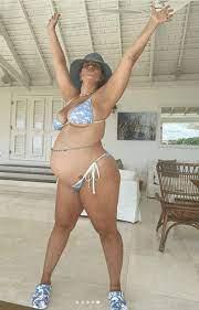 Ashley Graham grüßt aus dem Urlaub ...