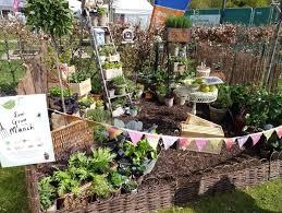 sensational urban garden ideas small urban garden ideas uk