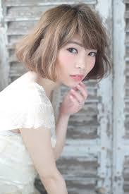 顔型診断付き面長女性に似合う髪型はヘアスタイルとヘアアレンジと