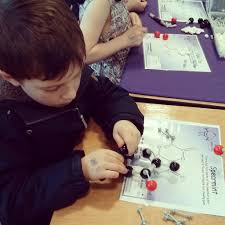 "Rowena Blair on Twitter: ""Making a spearmint molecule at #dunbarscifest  http://t.co/mpszh8wlvn"""