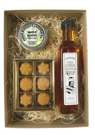 kraft gift box with 250ml bottle of syrup 6 piece box of maple candy and maple er soy candle