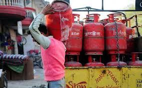 गैस की बढ़ती कीमत को कम करने के लिए सरकार देगी ज्यादा सब्सिडी
